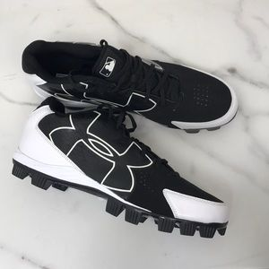 Under Armour baseball cleats 13.5